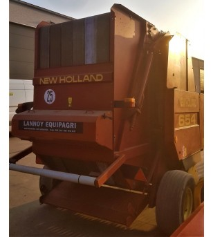 Presse New-Holland 654